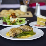 Chicken with asparagus and salad